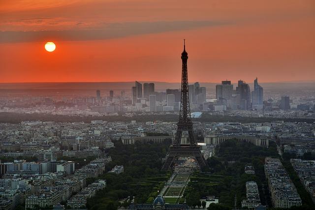 Paryż - Tłumaczenia Koncepcja